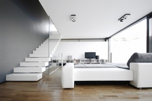 modest-minimal-living-room-design-in-the-black-on-white-house