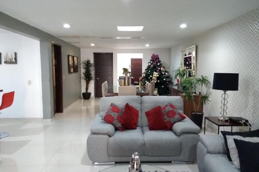 Venta casa moderna jardines alcalde remodelada de lujo for Casa moderna jardines